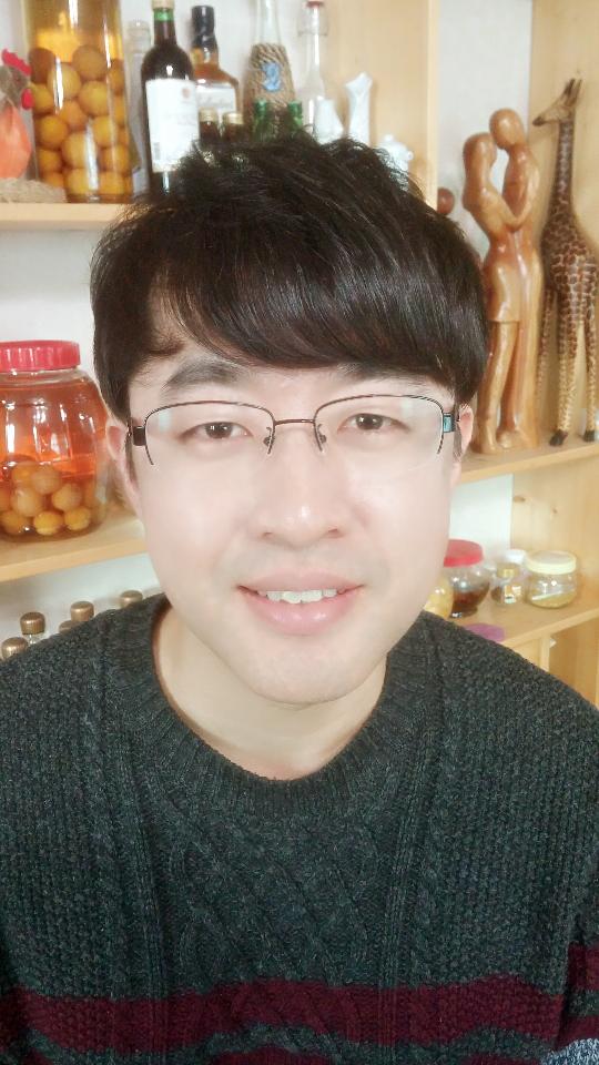 화제의 작가를 만나다 26 - '노네임드', '꿈의 기업' 문지현 작가 인터뷰
