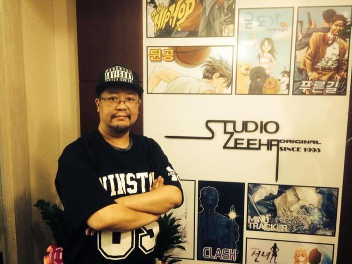 웹툰 플랫폼 '코믹스퀘어'에서 새로운 작품『젊음의 행진』으로 연재를 시작한 김수용 작가.